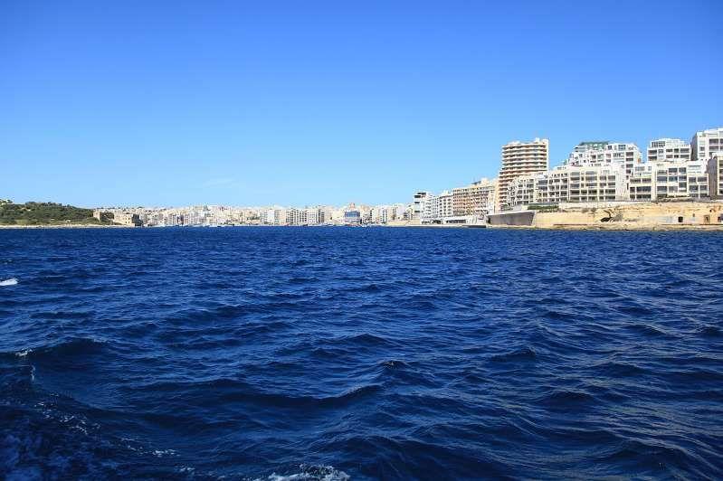 Migranti/ Malta contro Toninelli : L'Italia è disumana