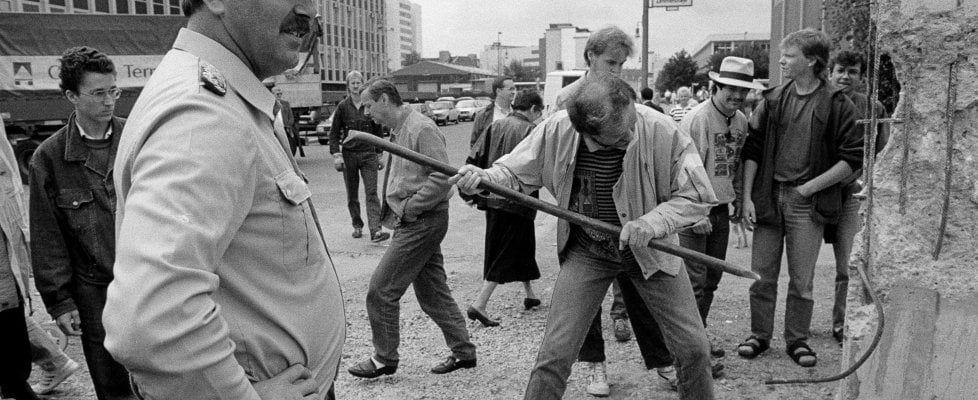 Berlino, 30 anni fa crollava il Muro