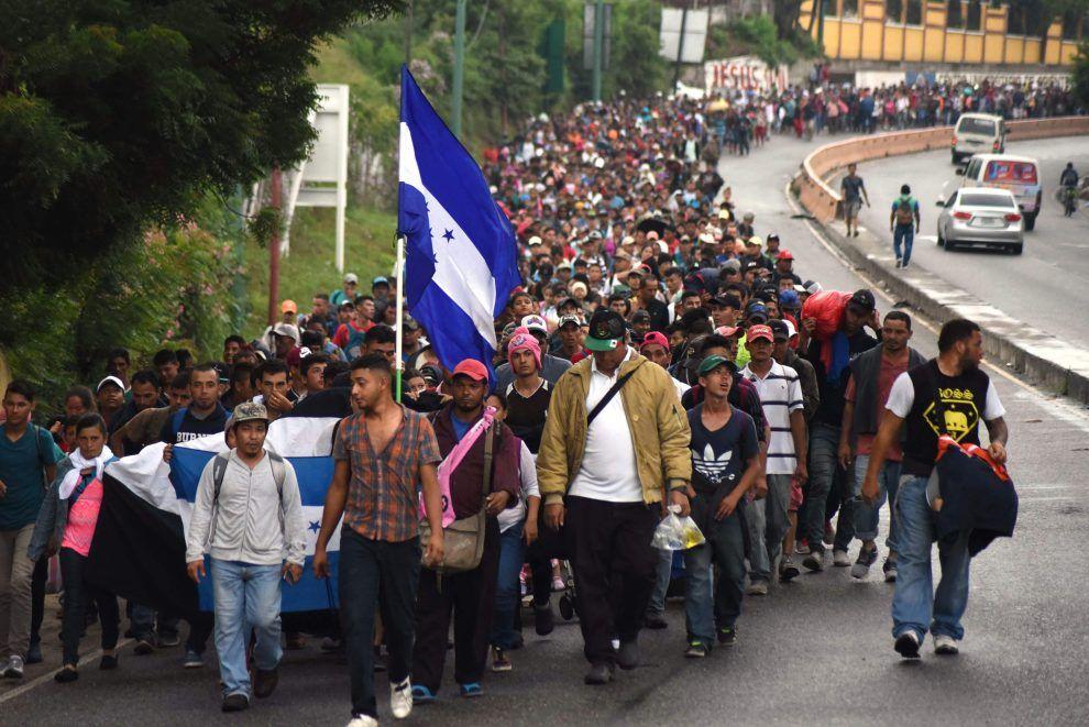 Messico invia polizia a confine Chiapas : in 4mila marciano verso gli Us