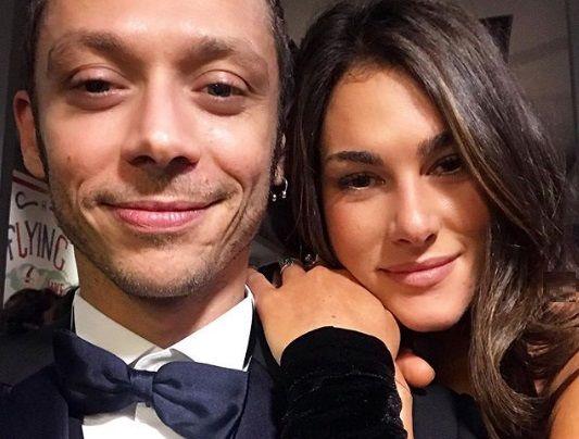 Valentino Rossi dedica un post alla compagna per i suoi 26 anni