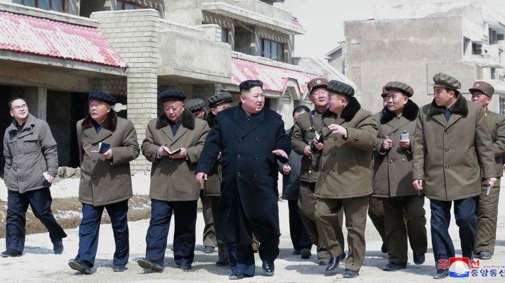 Corea Nord : Kim Jong-un presenta nuova arma tattica