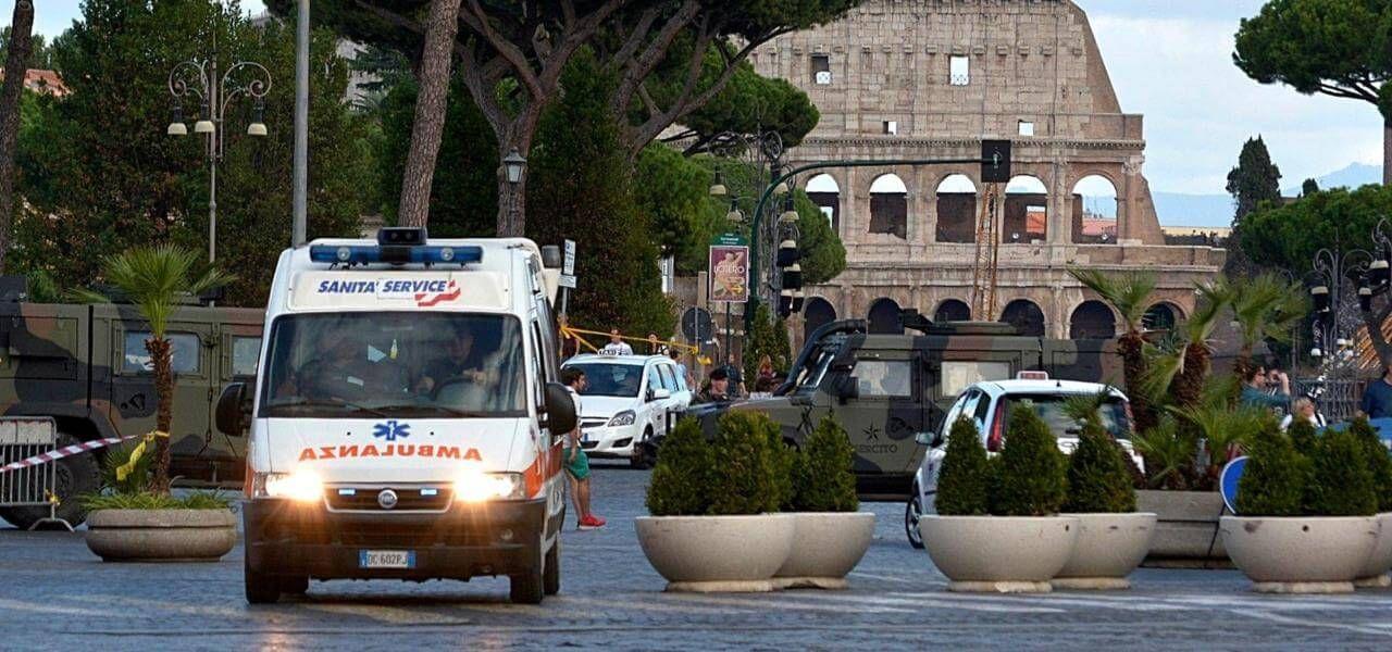 Roma, bambino precipita dal quinto piano : gravissimo