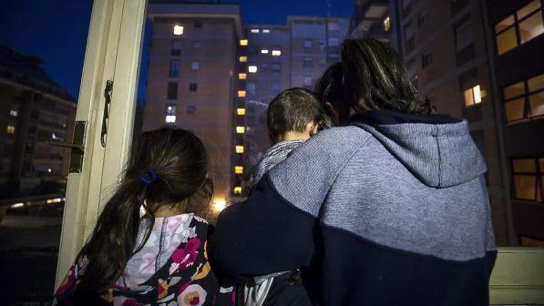 I Nomadi rinunciano alla casa dopo le proteste