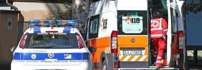 Ex operaio della Fiat muore in giardino, in casa trovati segregati 4 figli e la moglie