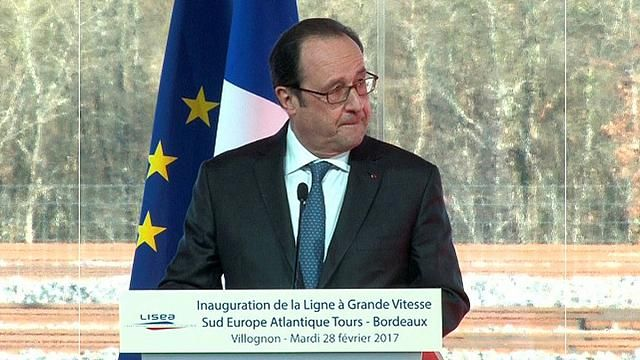 Francia - Spara per errore ad evento con Hollande : due feriti