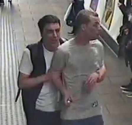 Londra, spruzzano gas in metro durante una rissa e fuggono