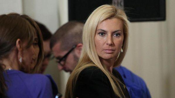 Michaela Biancofiore : aggredita a Roma la deputata di Forza Italia... Ho inseguito il rapinatore