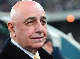 Adriano Galliani - il dirigente sportivo nei guai : Intercettazioni e bonifici sui diritti tv