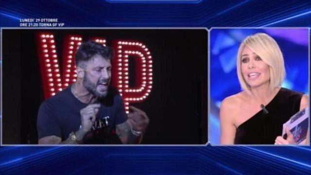Fabrizio Corona contro Ilary Blasi : Barbara non mi avrebbe mai spento i microfoni