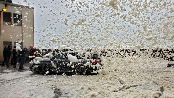 Maltempo : Centinaia di voli cancellati - Neve e vento, la tempesta Eleanor spazza via l'Europa
