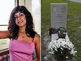 Non la fanno riposare in pace! Il fratello di Hina strappa via la foto dalla sua tomba