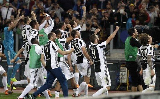 Juventus Campione d'Italia : 7° scudetto consecutivo