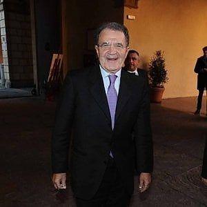 L'operaio guadagna 200 volte meno dei manager e nessuno si ribella! Parola di Romano Prodi