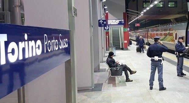 Torino Porta Susa, studentessa 15enne cade sui binari : Investita dal treno, muore poco dopo