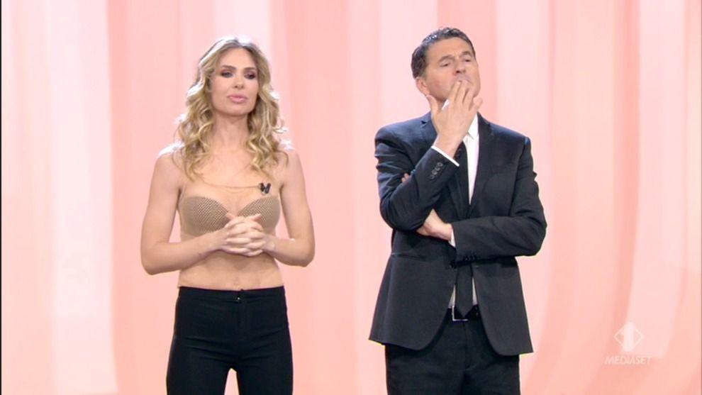 Nadia Toffa assente all'ultima puntata da Le Iene : fans preoccupati