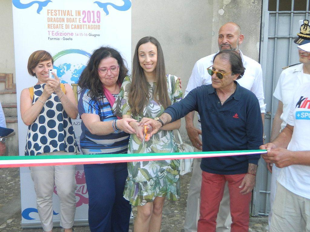 L'inaugurazione della scuola di canottaggio Nautilus a Formia