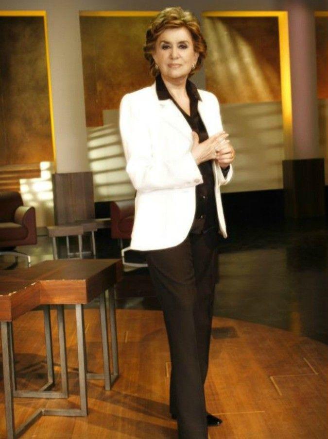 Franca Leosini torna su RaiTre, social impazziti per le sue frasi : ecco le più belle