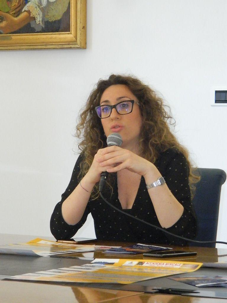 La presentazione della mostra di Marcella Mencherini Sulle ali della storia alla Torre di Mola