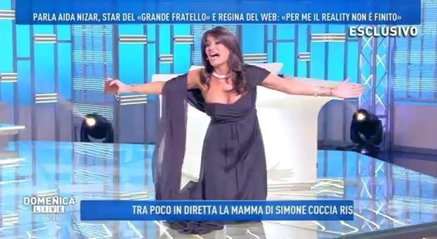 Aida Nizar fuori di seno