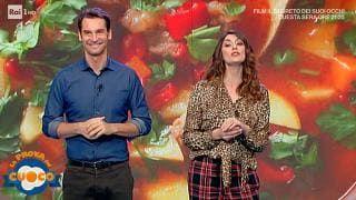 Ma chi veste Elisa Isoardi? Mia madre non ha mai indossato una camicetta leopardata!