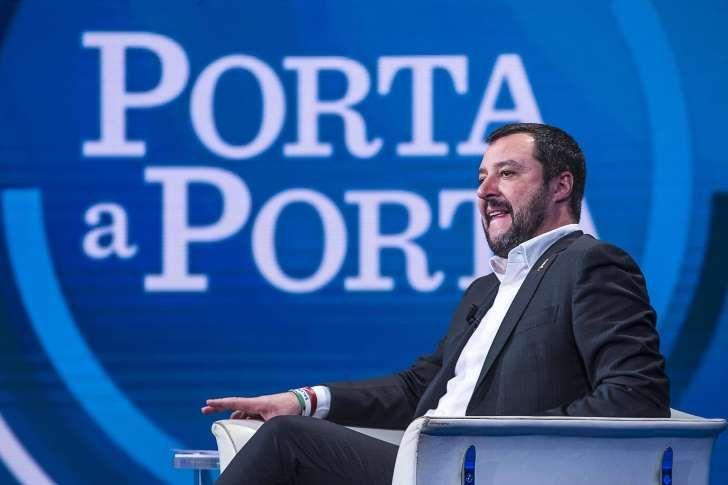 Matteo Salvini : Ho l'ambizione di essere premier per 10 anni - Le tasse? Galera per chi non paga