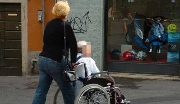 Trapani/ botte e minacce ad un'anziana malata : Arrestate due badanti