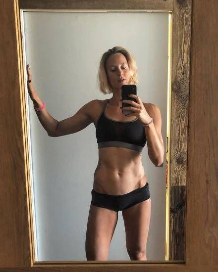 Federica Pellegrini sexy in vasca e sui social