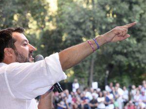Matteo Salvini non si dimette: Siamo in mano a una trentina di renziani, non lascio il Viminale
