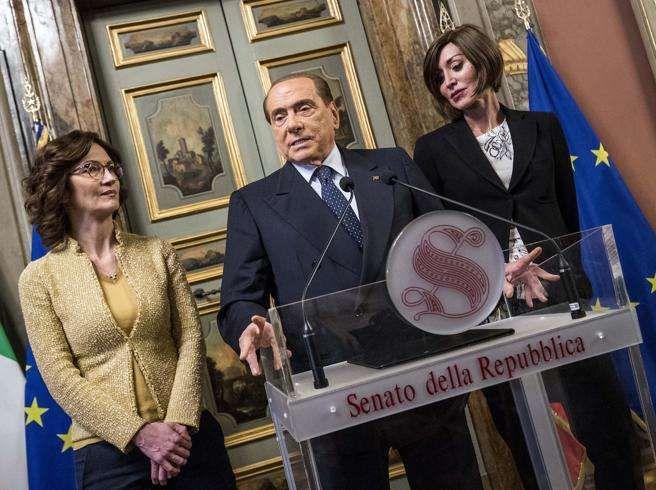 Silvio Berlusconi apre a un governo con i M5S :  Per Di Maio è lontano dalla realtà