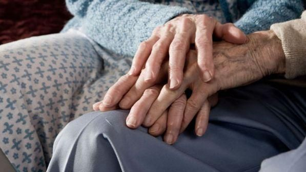 Ravenna, maltrattavano anziane in una casa-famiglia: due arresti