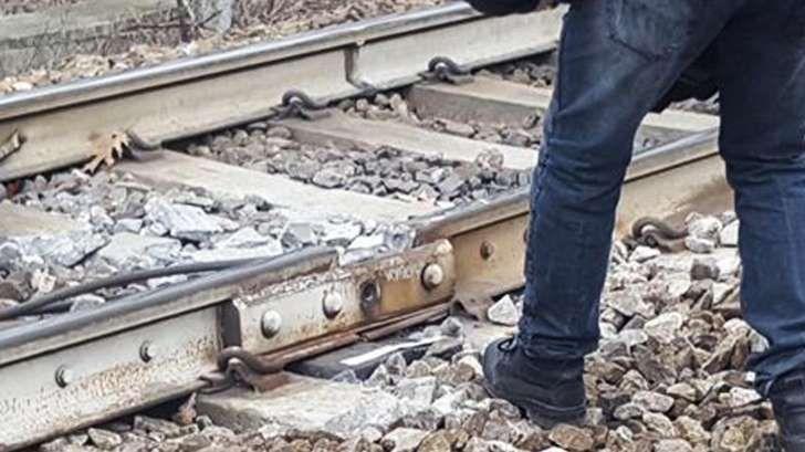 Treno deragliato - il giallo della tavoletta di legno : Operai RFI sorpresi in area sigillata