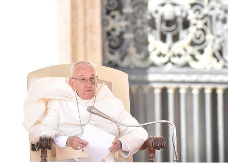 Papa Francesco : Nessuna grazia a colpevoli pedofilia
