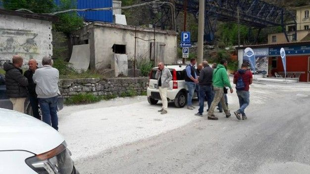 Incidente cave Carrara : un morto