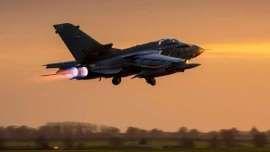 Stati Uniti abbattono aereo siriano che bombardava coalizione anti Isis