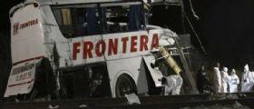 Monterrey, bus sui binari travolto da un treno : Almeno 16 morti e 22 feriti