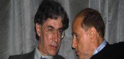 Berlusconi ritrova il buon Umore : Bossi a letto con la moglie?