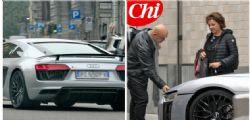 Maurizio Crozza a bordo di una supercar da 210 mila euro