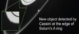 NASA CASSINI scopre Peggy, forse una nuova luna di Satuno