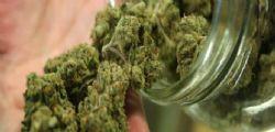 Marijuana al posto dell'incenso in chiesa! Sacerdote e fedeli finiscono in ospedale