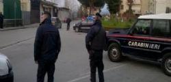 Napoli : spara a moglie e figlia, arrestato