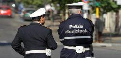 Funzionario dei vigili arrestato mentre intasca la mazzetta da un ristoratore a Roma