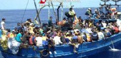 80 Migranti approdano a Lampedusa : oggi la giornata mondiale