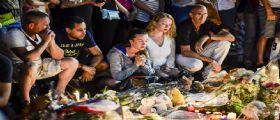 Strage Nizza : Tra le 84 vittime dieci bambini