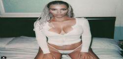 Kim Kardashian di nuovo in topless : le nuove foto senza veli fanno boom di like
