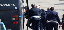 Omicidio Yara, Massimo Bossetti e la lettera a Vittorio Feltri: Mi impediscono di difendermi