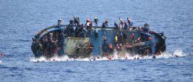 Migranti, ancora un naufragio a sud di Creta : Centinaia di persone in mare
