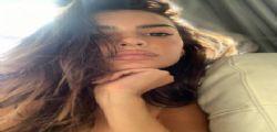 Praticamente nuda! Emily Ratajkowski infiamma Miami con un costume mozzafiato