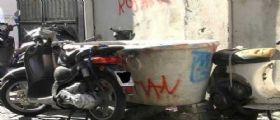 Napoli : I monumenti diventano immondizia