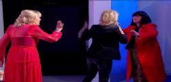 Ti butto nel cassonetto! Tina Cipollari di nuovo contro Gemma Galgani