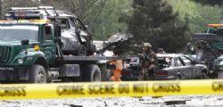 Attacco kamikaze Afghanistan: autobomba a Kabul, otto morti